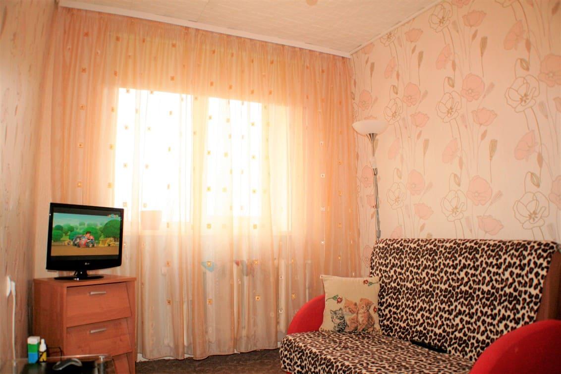 (Latviešu) Pārdod izremontētu 2-istabu dzīvokli Karostā. ID:255