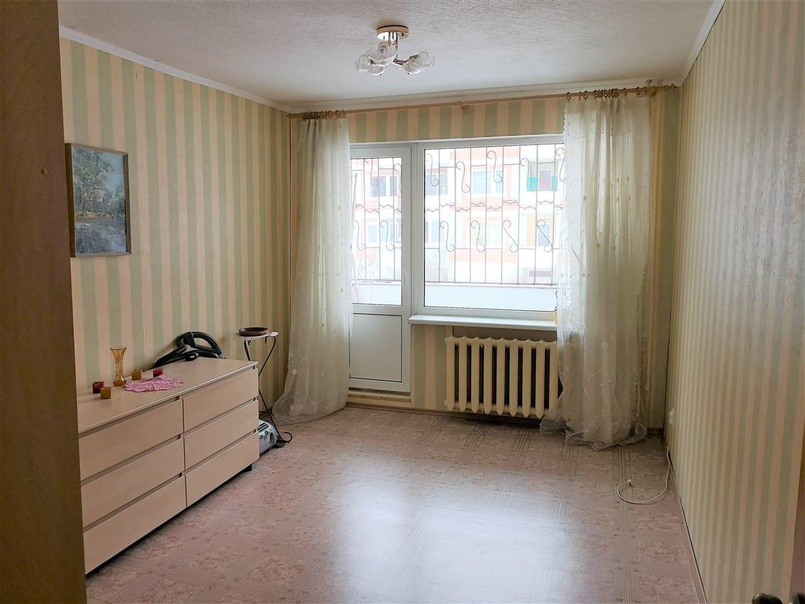 (Latviešu) Pārdod izremontētu 2-istabu dzīvokli Ezerkrastā. ID: 300