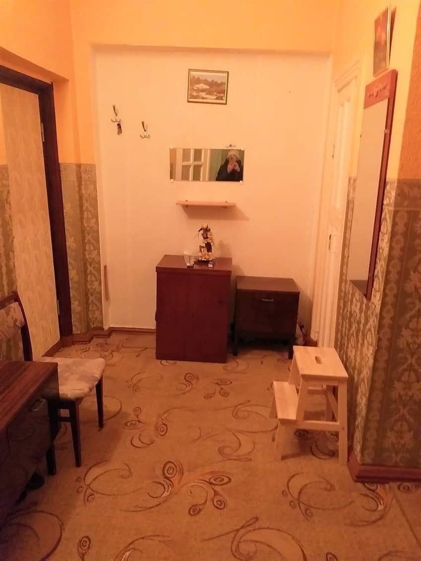 Pārdod plašu 2-istabu dzīvokli Staļina laika mājā, Laumas rajonā. ID: 305