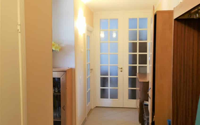 Продаётся отремонтированная 3-комн. квартира в реновированном доме, в Юго-западном районе. ID:321