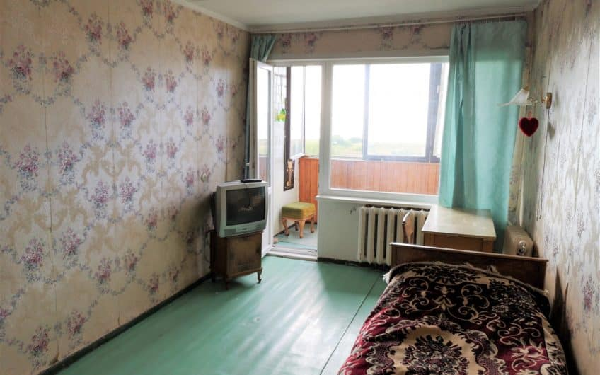 (Latviešu) Pārdod 2-istabu dzīvokli Laumas rajonā. ID:325
