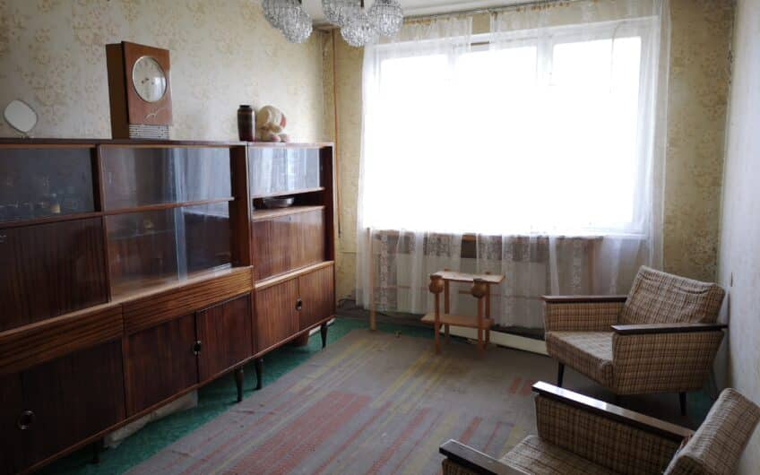 (Latviešu) Pārdod 3-istabu dzīvokli Laumas rajonā, Liepājā. ID: 340